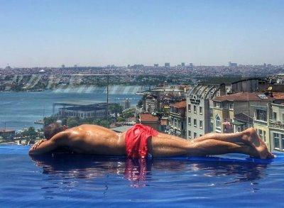 ahmed-shihab-eldin-hot-body-swimsuit2