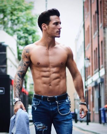gorka marquez shirtless body and six pack abs