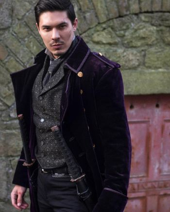 lewis tan hot in into the badlands