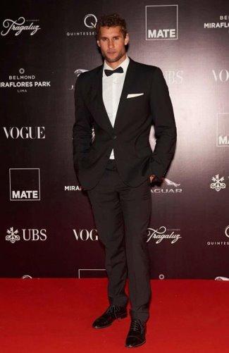 franco noriega sexy suit