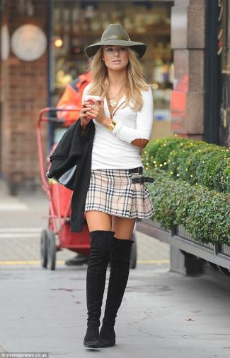 girls kilt - female celebrity kilt - kimberly garner