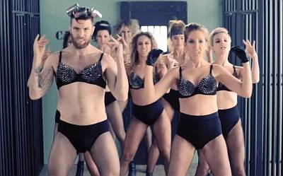 joel dommett underwear and bra