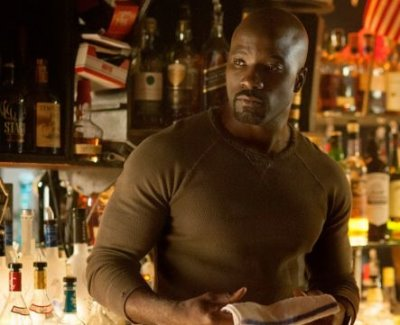 luke cage shirt - rag and bone - mike colter fashion