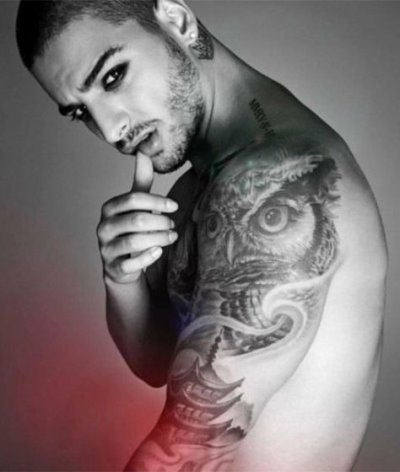 maluma shirtless homosexual