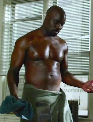 mike colter shirtless dad bod