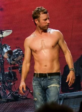 dierks bentley shirtless body