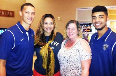 brad kaaya mother with manny wilkens and mom