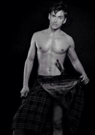 david tennant shirtless in kilt