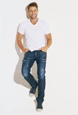justin hartley sexy in jeans