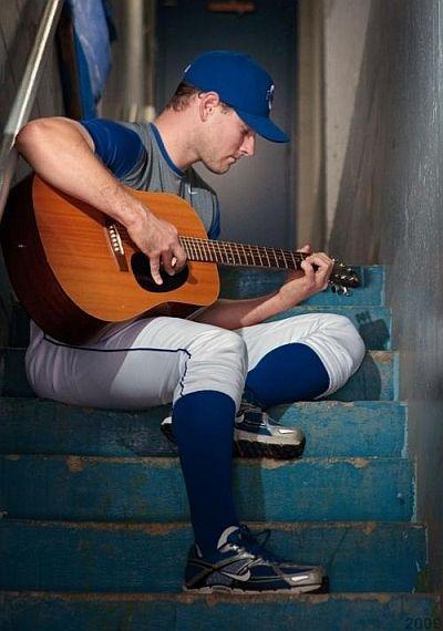 lenny dinardo playing guitar
