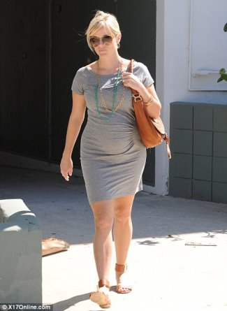 short maternity dress reese witherspoon