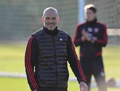 Fredrik Ljungberg coach arsenal2