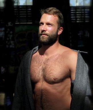 Alessandro Borghi hot body