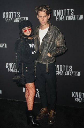 Austin Butler Girlfriend Now, Shirtless, Sculpted Abs