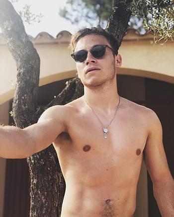 finn cole body shirtless