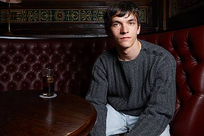 Fionn Whitehead gay or straight - queers