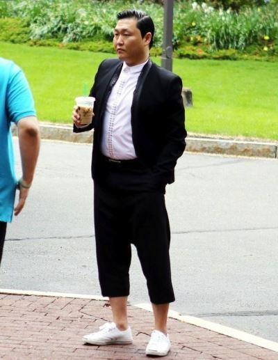 celebrities wearing jack purcell shoes - psy