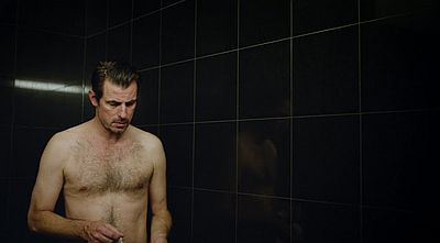 claes bang body the square