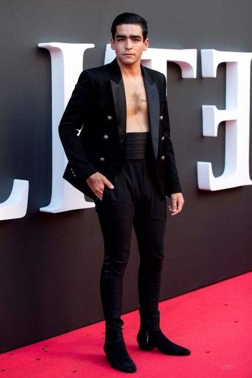 omar ayuso shirtless elite premiere callao cinema spain2