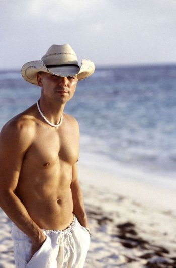 kenny chesney body