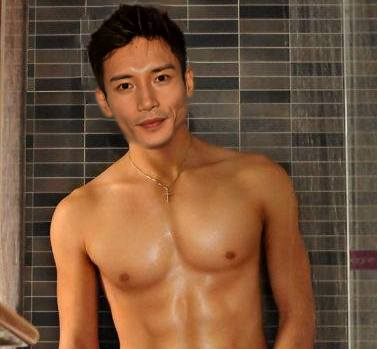 manny jacinto shirtless