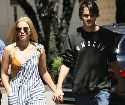 mitchell hope girlfriend tayla audrey holding hands