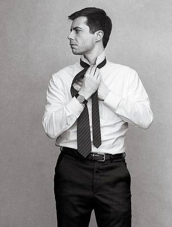 pete buttigieg hot in suit and tie