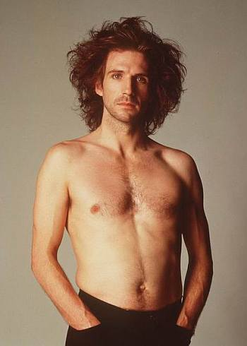 ralph fiennes shirtless body - young