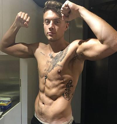 roman kemp shirtless 12 week body transformation