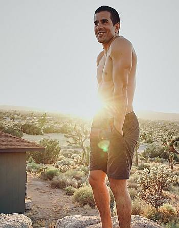 adrian gonzalez shirtless - vida - instagram el_adriangonzalez
