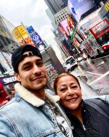 carlos miranda family parents ethnicity