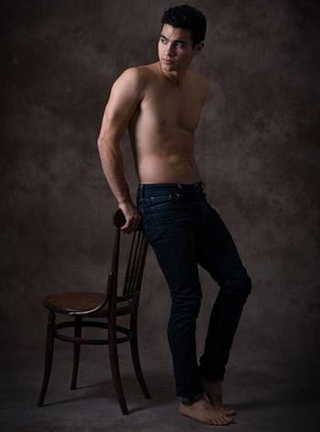 davi santos shirtless body