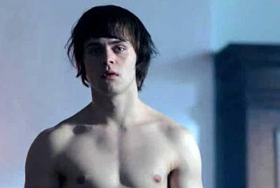 joey batey shirtless body - the white queen