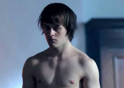 joey batey shirtless body - the white queen2