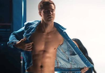 anthony de la torre shirtless music video raining london