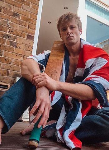 bradley james shirtless3