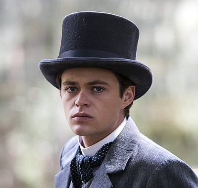 harrison gilbertson picnic at hanging rock