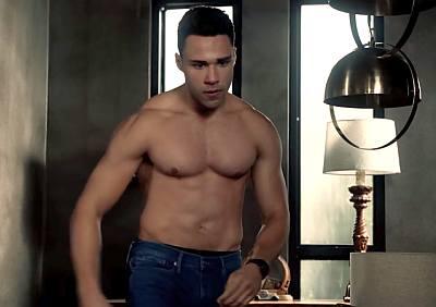 rafael silva shirtless body