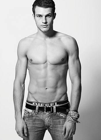 ryan cooper shirtless hot body2