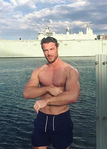 ryan faucett hot daddy shirtless body