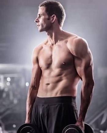 Tarek El Moussa shirtless workout