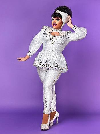 brita drag queen looks on the runway - sparkle look