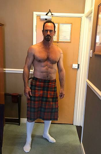 chris meloni kilt - shirtless