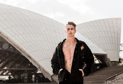 Harry Jowsey too hot to handle model