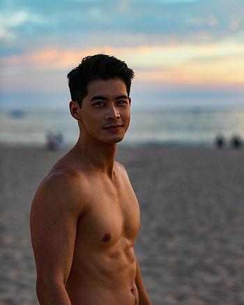 eddie liu shirtless body