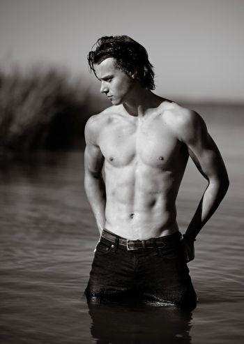 rudy pankow shirtless body