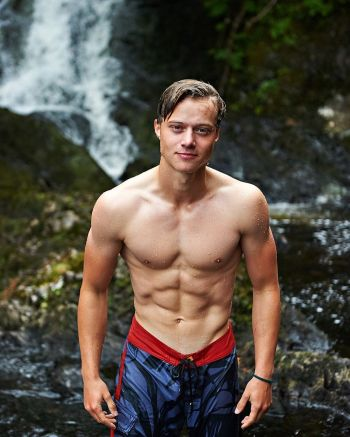rudy pankow sixpack abs