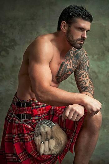 shirtless men in kilt - stuart reardon rugby player