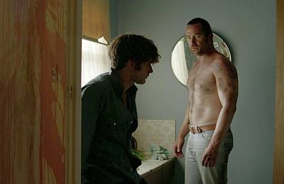 sullivan stapleton gay kiss in cut snake