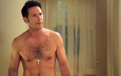 Mark Feuerstein shirtless body
